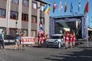 Startuoja Aleksandr Melnichuk ir Alexandra Chudnovskaya ekipažas iš Rusijos su automobiliu Lada 21053