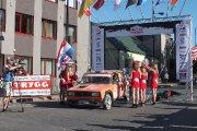 Startuoja Valerijaus Afanasjevo ir Gintauto Bulotos ekipažas iš Lietuvos su automobiliu Lada 21053