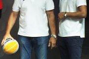 Krepšinio klubo ''Juventus'' vyr. treneris Antanas Sireika ir klubo prezidentas Žydrūnas Urbonas