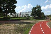 Utenos Dauniškio gimnazija ir stadionas