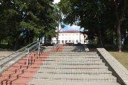 Laiptai prie Utenos ''Saulės'' gimnazijos