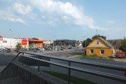 Prekybos centras ''Senukai'' ir nebaigtas ''Snoro'' pastatas