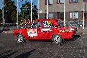 Startuoja Maksim Dzyuba ir Artem Dzyuba ekipažas iš Rusijos su automobiliu Lada 2105