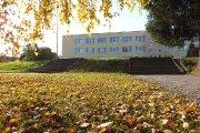 Prie Adolfo Šapokos gimnazijos