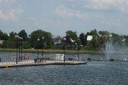 Dauniškio ežero pontoninis tiltas ir fontanas